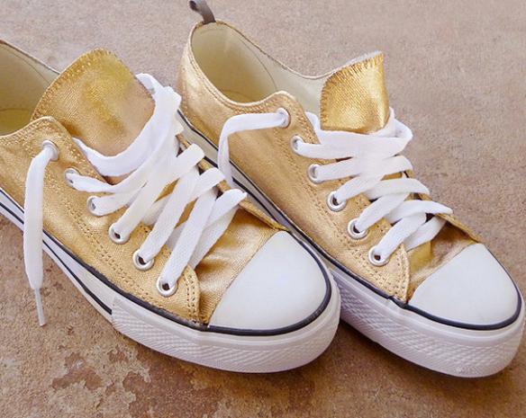 metallic sneakers diy || The Shoe Dish